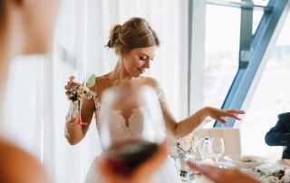 10 WAYS TO SAVE ON A WEDDING PHOTOGRAPHER